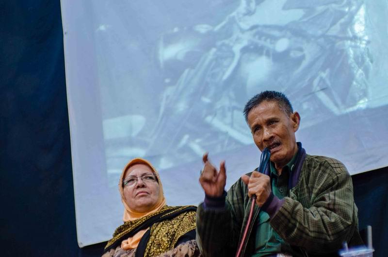 INEN RUSNAN DAN ISTRI SEMINAR DI GEDUNG INDONESIA MENGGUGAT BANDUNG