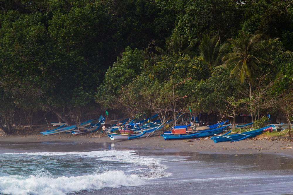 IMG_1856 Pantai Madasari © 2014 Deni Sugandi