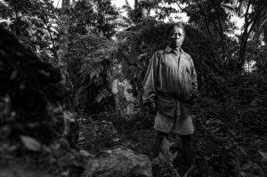 JASPER PASIRGINTUNG TASIKMALAYA Suhro, 65 tahun petani, kampung Pasirgintung, Desa Cibuniasih, Tasikmalaya. Ia adalah pemilik tanah disebagian area terdapatnya sebaran batu jasper. ©2013 Deni Sugandi, All Right reserved, no reproduction without prior permision