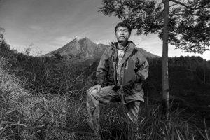 Agus Haryoto (Lahir 1978) Relawan jaringan komunikasi radio antar penduduk, untuk warga di lereng Gunung Merapi. Sejak 2008 mengusahakan penyadaran informasi melalui radio dua meteran, bekerja sama dengan pos Pengamatan Gunung Api, untuk memberikan informasi terkini kepada masyarakat di lereng Merapi.
